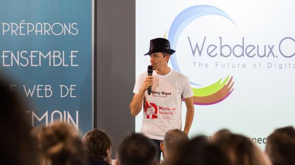 En pleine présentation du MSB show au Web2connect / Photo : Thierry Mesnard