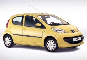 Peugeot 107: voiture en carton
